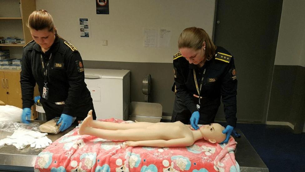 tollvesenet beslaglegger ulovlige sexdukker
